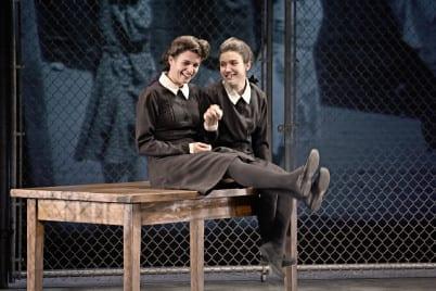 Thérèse et Pierrette à l'école des Saints-Anges