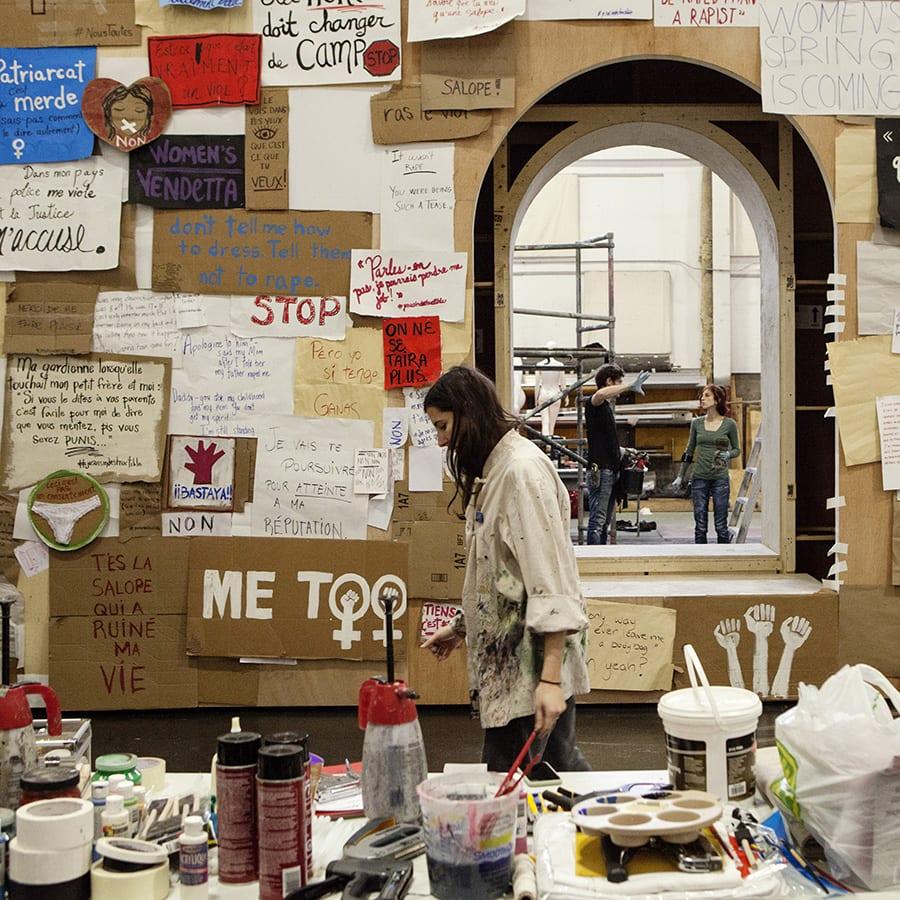 Mur de citations : entretien avec la scénographe Marie-Renée Bourget Harvey